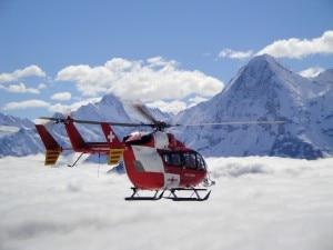 Elicottero della Rega in volo (Photo courtesy of www.rega.ch)