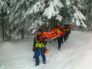 I volontari del Soccorso Alpino durante l'intervento a Sappada (Photo courtesy of Cnsas Veneto)