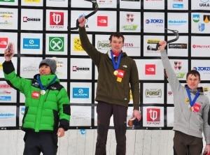 Val Passiria - un podio di coppa del mondo con Maxim Tomilov sul gradino piu alto seguito da Hee Yong Park e dal fratello Alexey