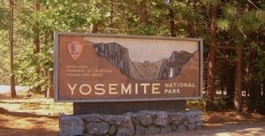 Yosemite NP entrance (Photo www.nationalparkcentralreservations.com)