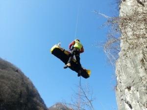 Il recupero del rocciatore ferito da parte del Soccorso Alpino (Photo courtesy of Cnsas Veneto)
