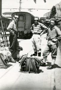 Cesare-Giudici-a-sinistra-con-Giorgio-Redaelli-e-Dino-Piazza_-prima-della-ripetizione-della-Bonatti-al-Dru-fonte-wwwragnileccocom