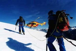 Intervento dei soccorsi sulle Alpi Francesi (Photo courtesy of www.secours-montagne06.com)