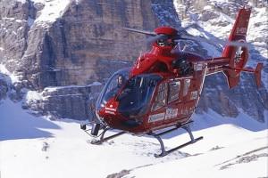 L'Aiut Alpin Dolomites di Bolzano è intervenuto per soccorrere i due feriti (Photo courtesy www.aiut-alpin-dolomites.com)