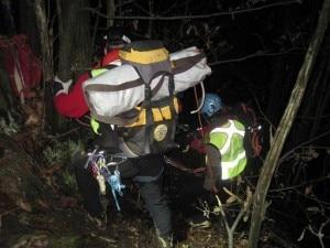 Intervento in notturna del Soccorso Alpino (Photo courtesy of www.targatocn.it)