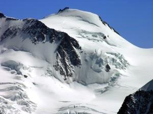 Photo of Monte Rosa, finanziere salva scialpinista in un crepaccio
