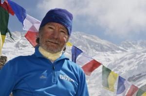 Photo of Kangchenjunga, Carlos Soria pronto al base: in alto opzione ossigeno