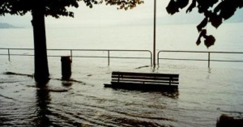 Esondazione-Lago-Maggiore-photo-repertorio-courtesy-www.3bmeteo.com_-300x198.jpg