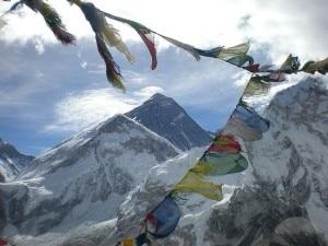 Photo of Everest, 60 anni dalla prima salita: spedizioni ed eventi speciali in Nepal