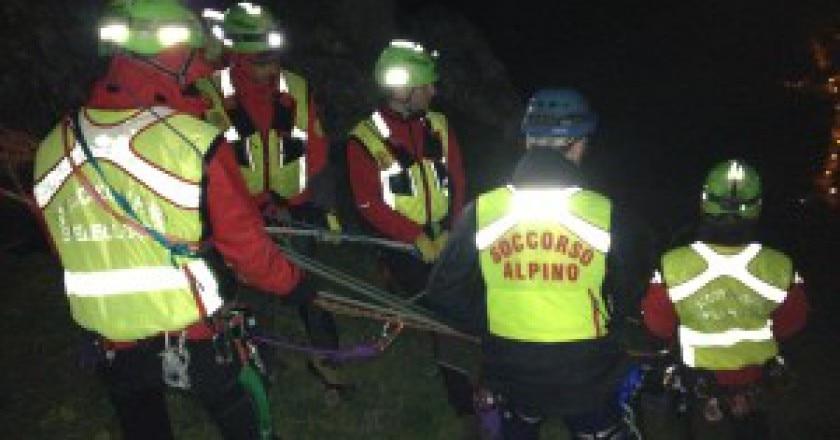 Operazioni-di-soccorso-alla-Rocca-di-Sciara-Photo-Soccorso-alpino-sicilia-300x225.jpg