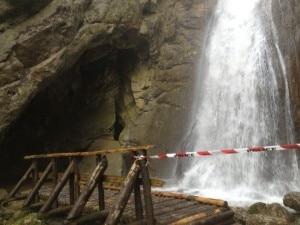 Photo of Svizzera, speleologo bloccato in grotta da due notti