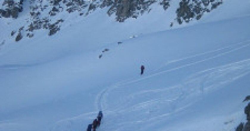 576px-Skitour_at_Badus-225x300.jpg