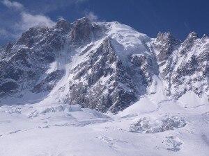 Photo of Monte Bianco: trovata viva l'alpinista dispersa sull'Aiguille Verte