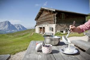 "Photo of Val Gardena: l'estate è pronta ""in tavola"""
