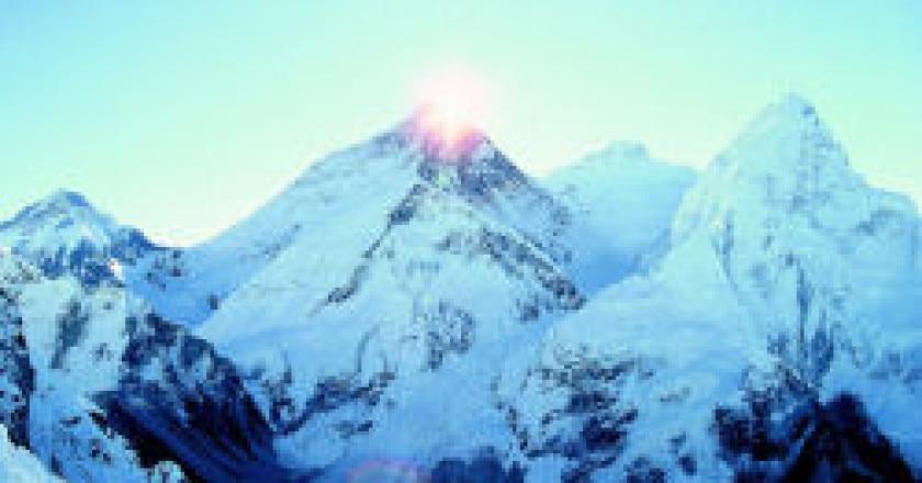 Everest-e-Colle-Sud.jpg