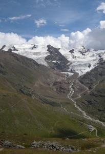 Photo of Ghiacciai della Lombardia in sofferenza: negli ultimi 50 anni numero aumentato, ma superficie ridotta del 23%