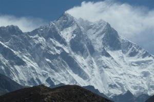 Photo of Finestra di bel tempo in Himalaya: alpinisti pronti a salire, tra loro Confortola e Soria