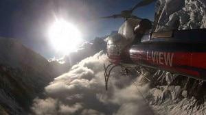 Le nubi sul campo base sotto l'Elicottero (Photo courtesy Simone Moro)