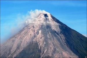 Photo of Vulcano erutta su alpinisti in salita: 5 morti e 8 feriti
