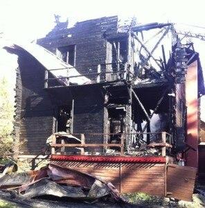 Photo of Val d'Ayas: va a fuoco il rifugio Città di Casale, morto un uomo