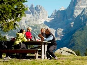 Photo of La montagna a misura di bimbi e famiglie: a Lecco nasce il Family Cai