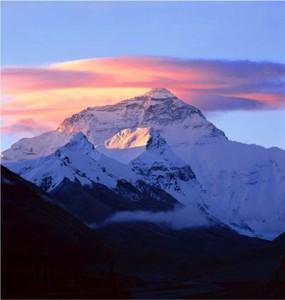 Photo of Everest Nord: Mondinelli a 8200, Tisalema tenta salita in velocità