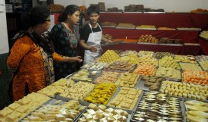sweets-for-mother-300x176.jpg