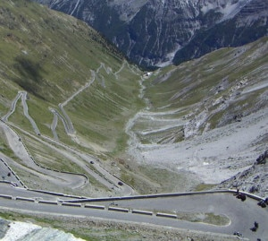 Passo dello Stelvio (Photo courtesy www.motoraduno-stelviointernational