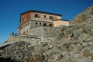 Rifugio Similaun (Photo courtesy of commons.wikimedia.org)