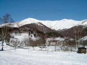 800px-Monte_San_Primo (courtesy wikipedia)