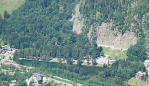 Le rocher d'escalade des Gaillands (Photo Christophe Jacquet - Wikipedia)