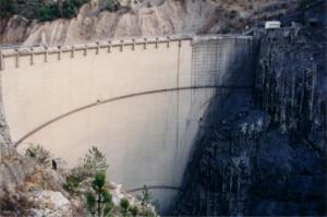 La diga del Vajont (Photo Ettore Dal Farra coutesy of commons.wikimedia.org)