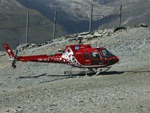 Gli elicotteri dell'Air Zermatt hanno partecipato alle ricerche dell'alpinista scomparso (Photo Hans Hillewaert courtesy of Wikimedia Commons)