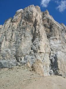 Marmolada parete sud ovest dal Passo dell'Ombretta (Photo Wikipedia)