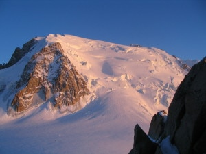 Mont_blanc_tacul_depuis_cosmiques (courtesy wikipedia.org)