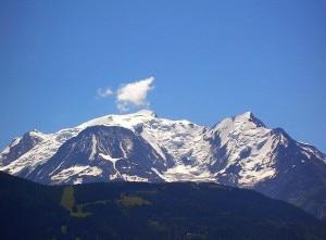 Il monte Bianco è alto 4810,06 metri secondo la misurazione svolta nei giorni scorsi dagli esperti francesi (Photo courtesy of Wikimedia Commons)