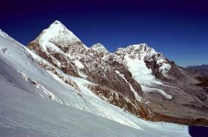 I ghiacciai di Gran Zebrù, Monte Zebrù e Ortles sono raggiungibili dalla cittadina altoatesina di Stelvio (Photo courtesy of Wikimedia Commons)