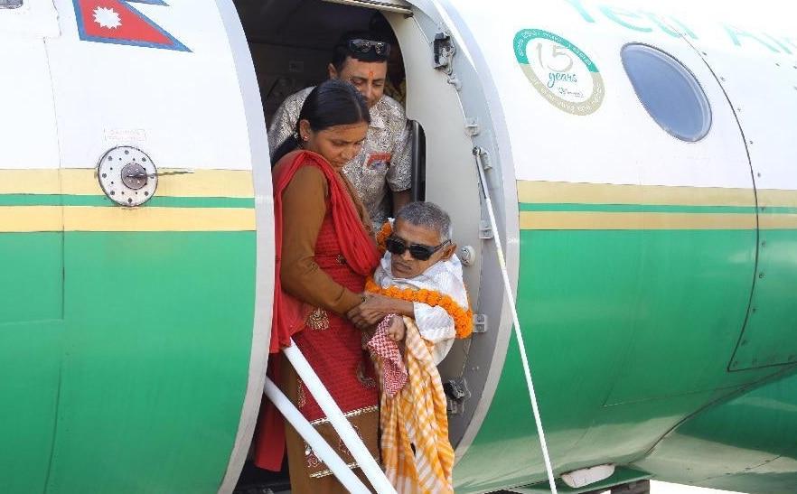 Nau-90-year-old-disabled-at-flight