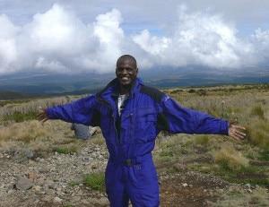 Steve Obbayi (Photo courtesy expeditioneverest.org)
