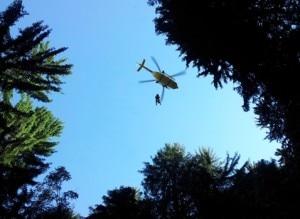 Elicottero durante l'intervento ad Albosaggia (Photo courtesy of Sasl)