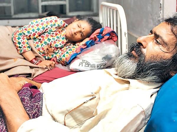 Adhikari couple in Bir Hospital, Kathmandu. photoM blog.com.np