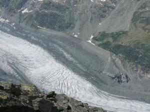 Il Ghiacciaio del Morteratsch, sulla destra il Bovalhuette (Photo courtesy of Wikimedia Commons)