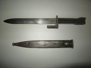 Baionetta per fucile risalente alla Prima Guerra Mondiale (Photo Joaquín Alvarez Riera courtesy of Wikimedia Commons)