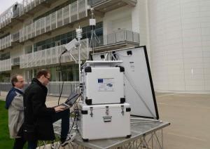 Tecnici al lavoro sulla Remote Climate Station, PoliMi Lecco. (Photo: Sergio Nessi)