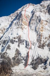 La via seguita da Ueli Steck lungo il versante Sud dell'Annapurna è probabilmente la stessa seguita da Yannick Graziani e Stephane Benoist (Photo courtesy of patitucciphoto.com)