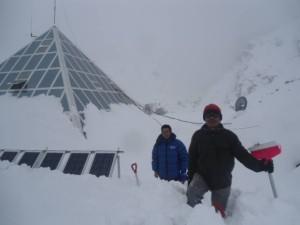 Piramide, 80 cm di neve (Photo Pema Sherpa)