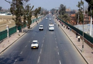 The roads that otherwise witnessed heavy traffic gives a deserted look on Monday after passengers and transporters fear keep vehicles off the road. Photo: NMF