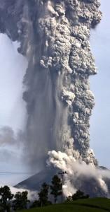 Mount Sinabung Vulcano (Ulet Ifansasti-Getty Images www.theatlantic.com)