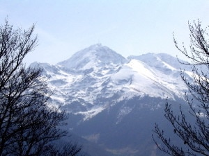 Pic du Midi de Bigorre (Photo Nathan Hamblen courtesy of Wikimedia Commons)