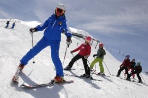 Lezione di sci, photo courtesy Amsi.it